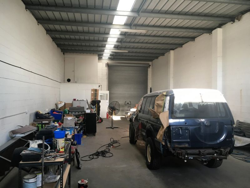 Neat Vacant Unit in Machinery Drive