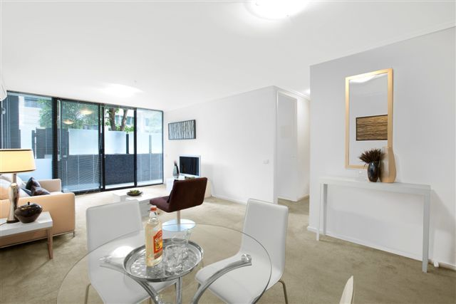 The Capri: Ground Floor - Live In The Heart Of South Melbourne! L/B