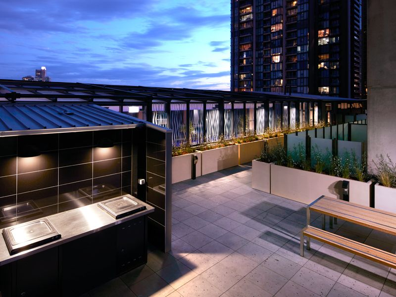 Southbank Grand, 29th floor - Brilliantly Positioned NEAR NEW 2 Bedroom Apartment!