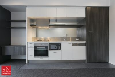 CONVENIENT MODERN LIVING IN PRIME ST KILDA LOCATION
