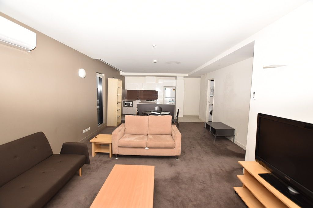 Neo: Semi-Furnished and Stylish Two Bedroom Apartment in the Heart of Melbourne!