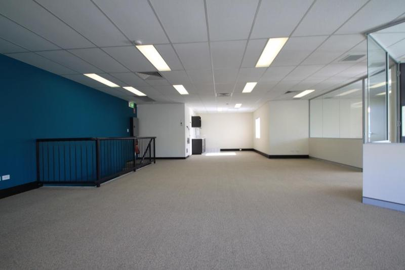 120m² – First Class Business Unit (Office Fitout Included)
