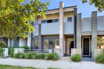 Stylish & Superb Executive Residence