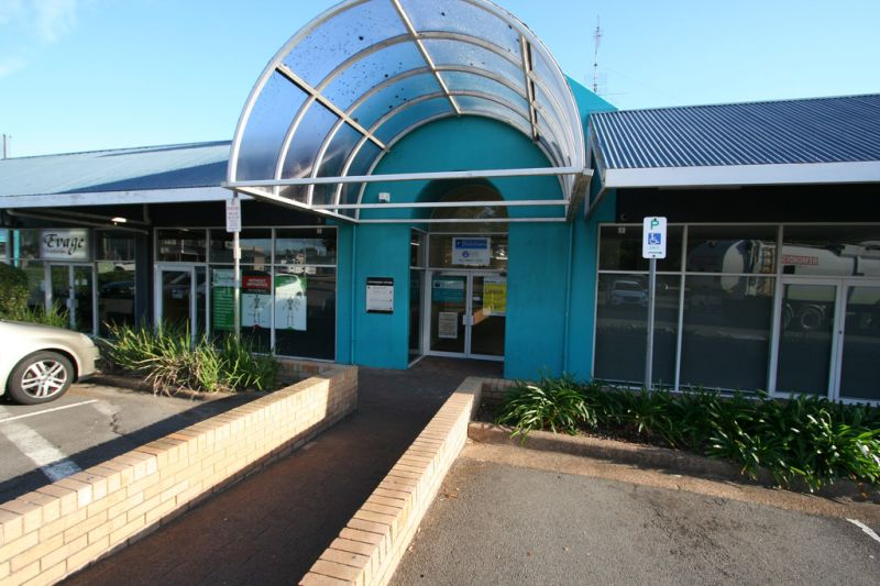 Conveniently located Consulting Rooms / Office