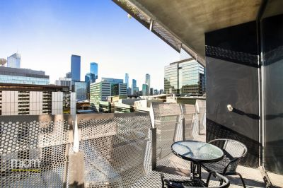 City Views and Designer Docklands Living