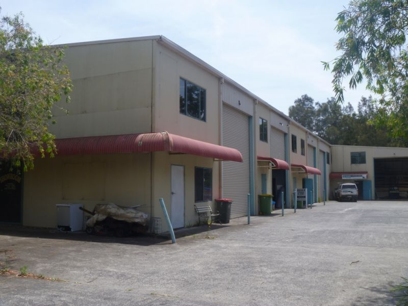 Industrial Factory unit - High clearance at Berkeley Vale! AVAILABLE NOW!!!