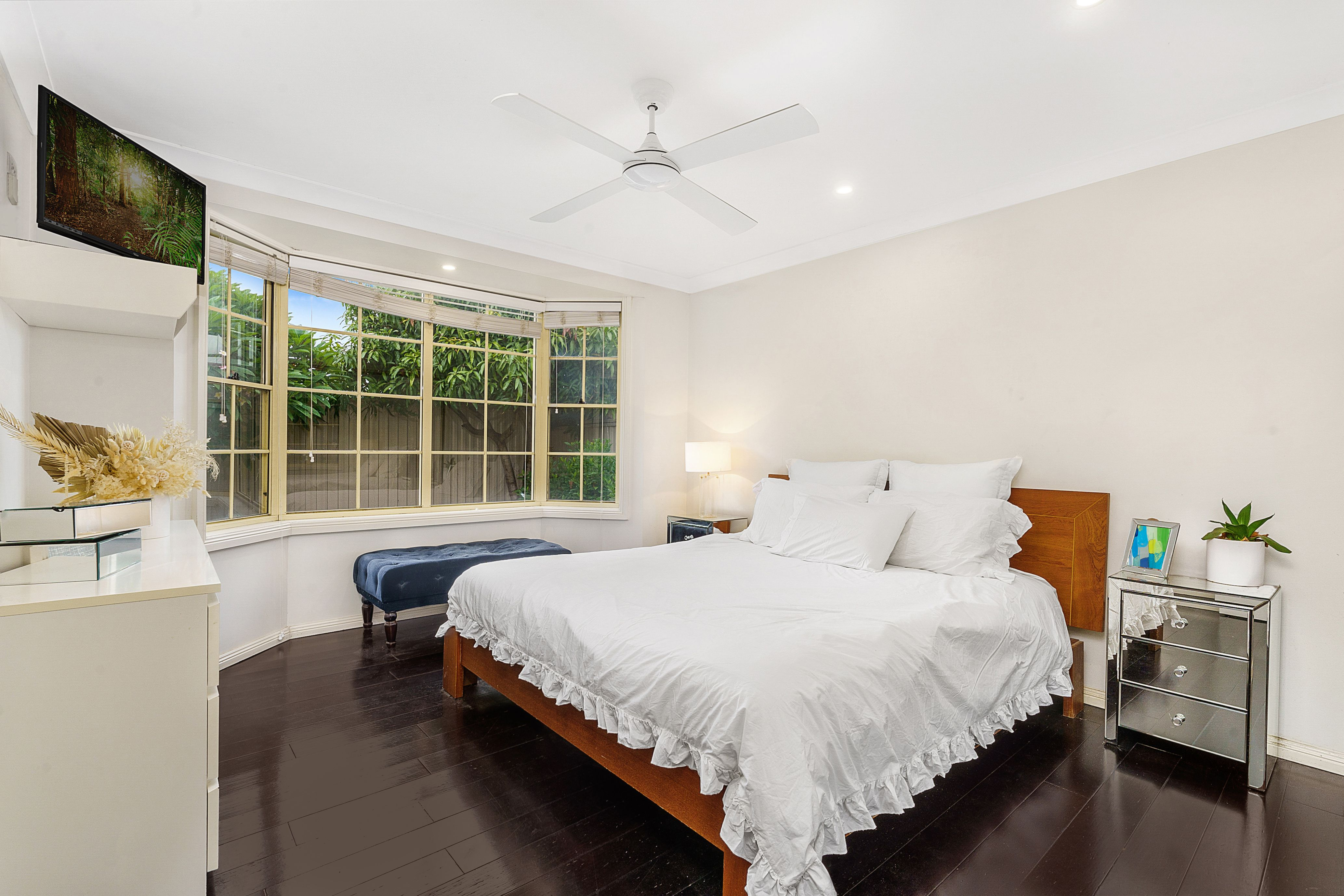 18b Endeavour Road, Georges Hall NSW 2198