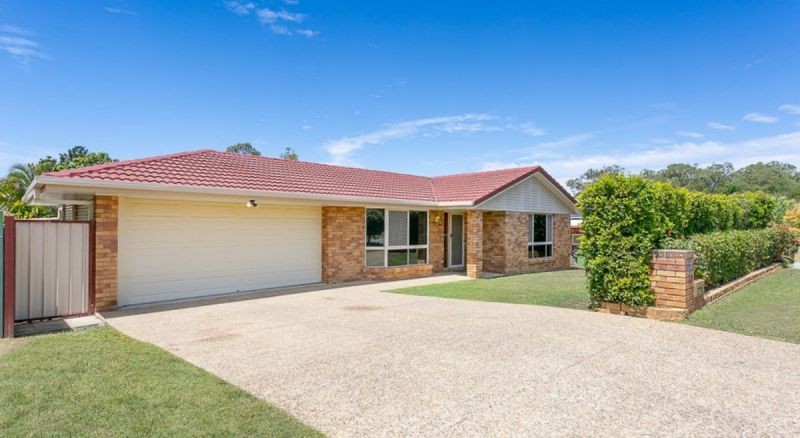 IMMACULATE HOME IN TIGHTLY HELD NEIGHBOURHOOD