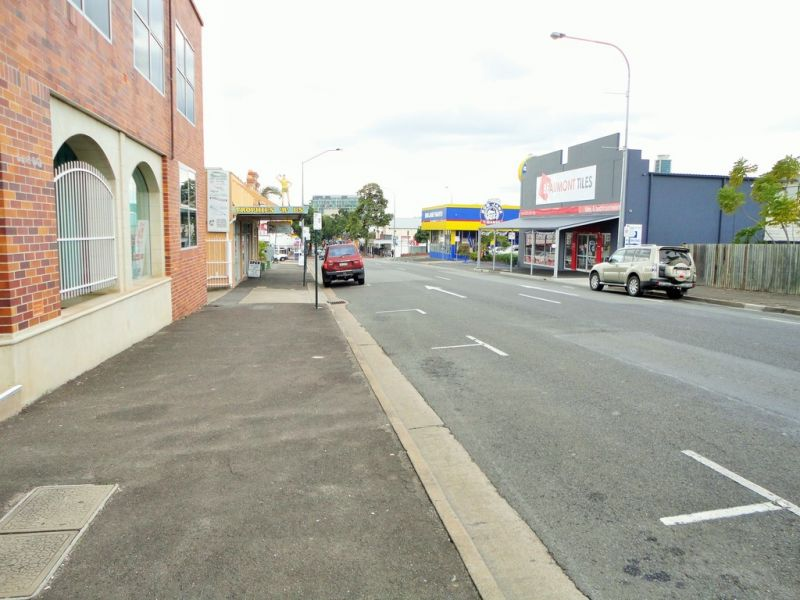 Top Of Town - Main Street Frontage + Parking