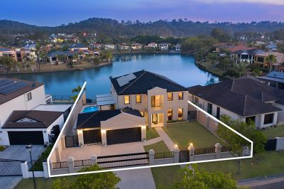 Grand Residence... Stunning Wide Water Views