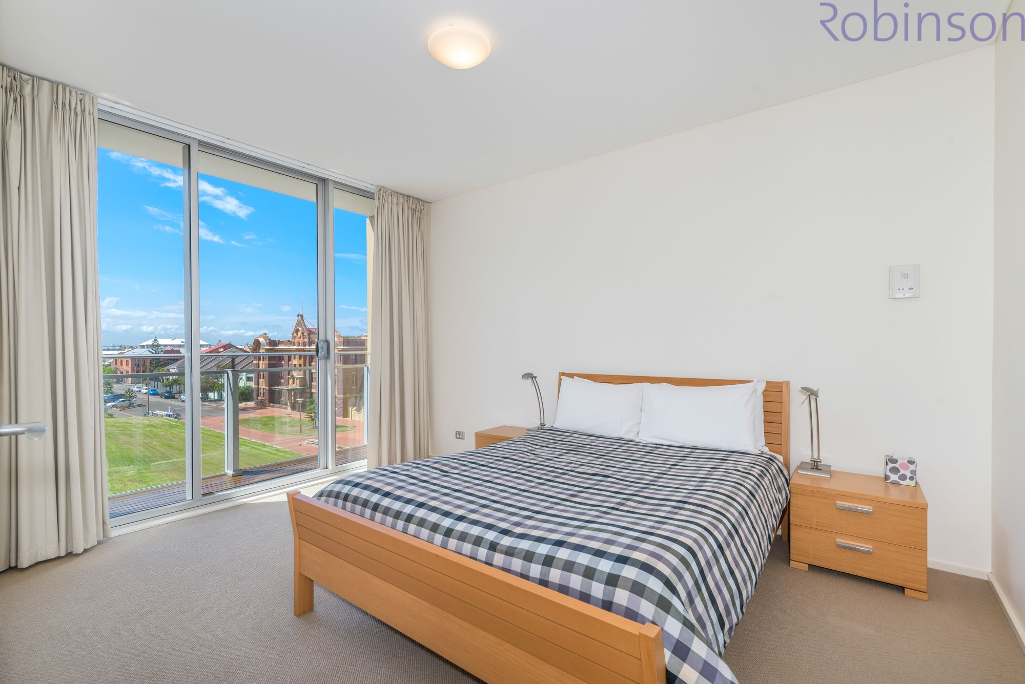 Level 3/304/61 Shortland Esplanade, Newcastle