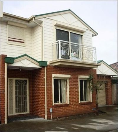 Centrally Located Spacious Townhouse
