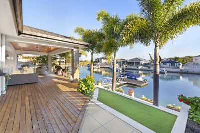 Prime Location - Owners Relocating - 20m+ Waterfrontage