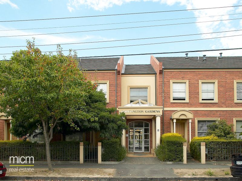 Stonnington Gardens: Perfectly Positioned Three Bedroom Apartment!