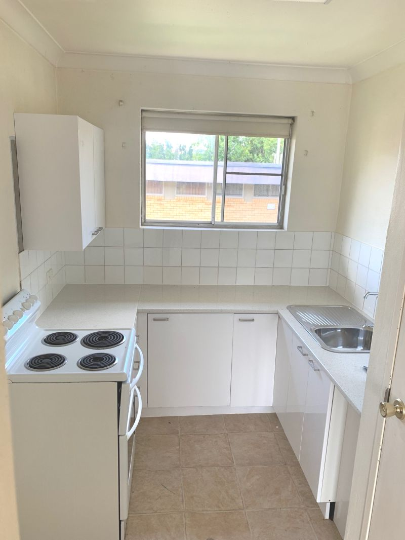 NORMAN PARK - Starter Pack!! Close to Everything! 1 weeks free rent! Air Conditioned
