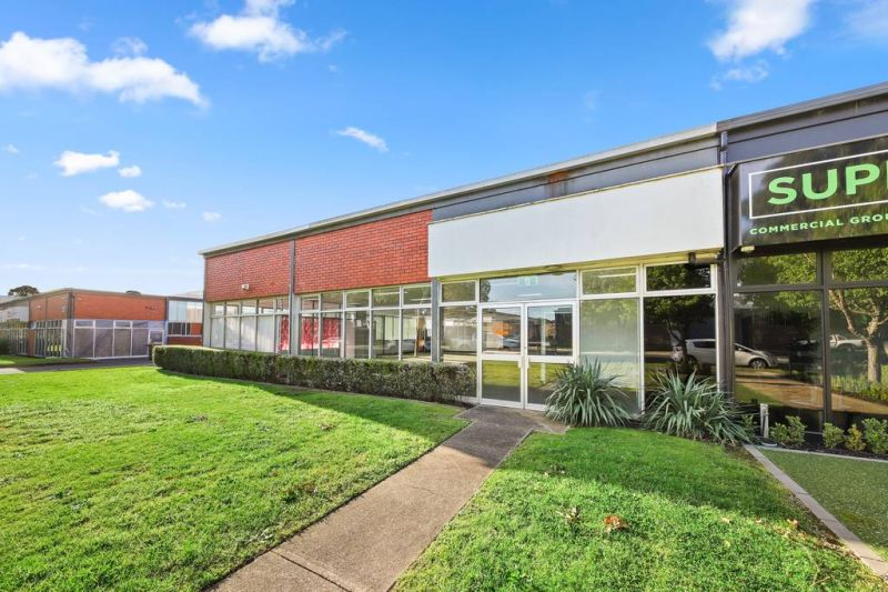 Quality Open Plan Office with Rear Warehouse & 17 Car Spaces!