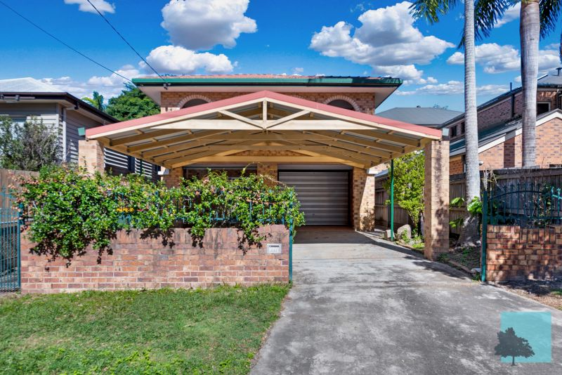 Spacious Family Home With Dual Living!>