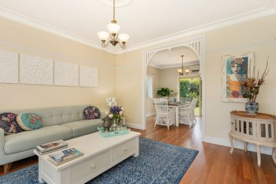 Stylish Robina Quays Family Home!