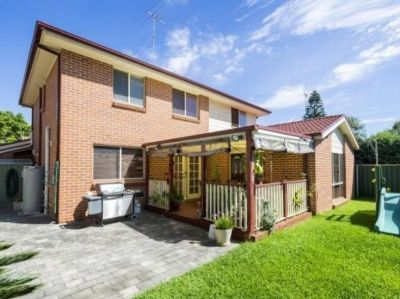 Huge 5 Bedroom Family Home with Double Garage