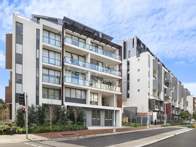 Sunny 2-Bedroom Apartment with Parking in Harold Park