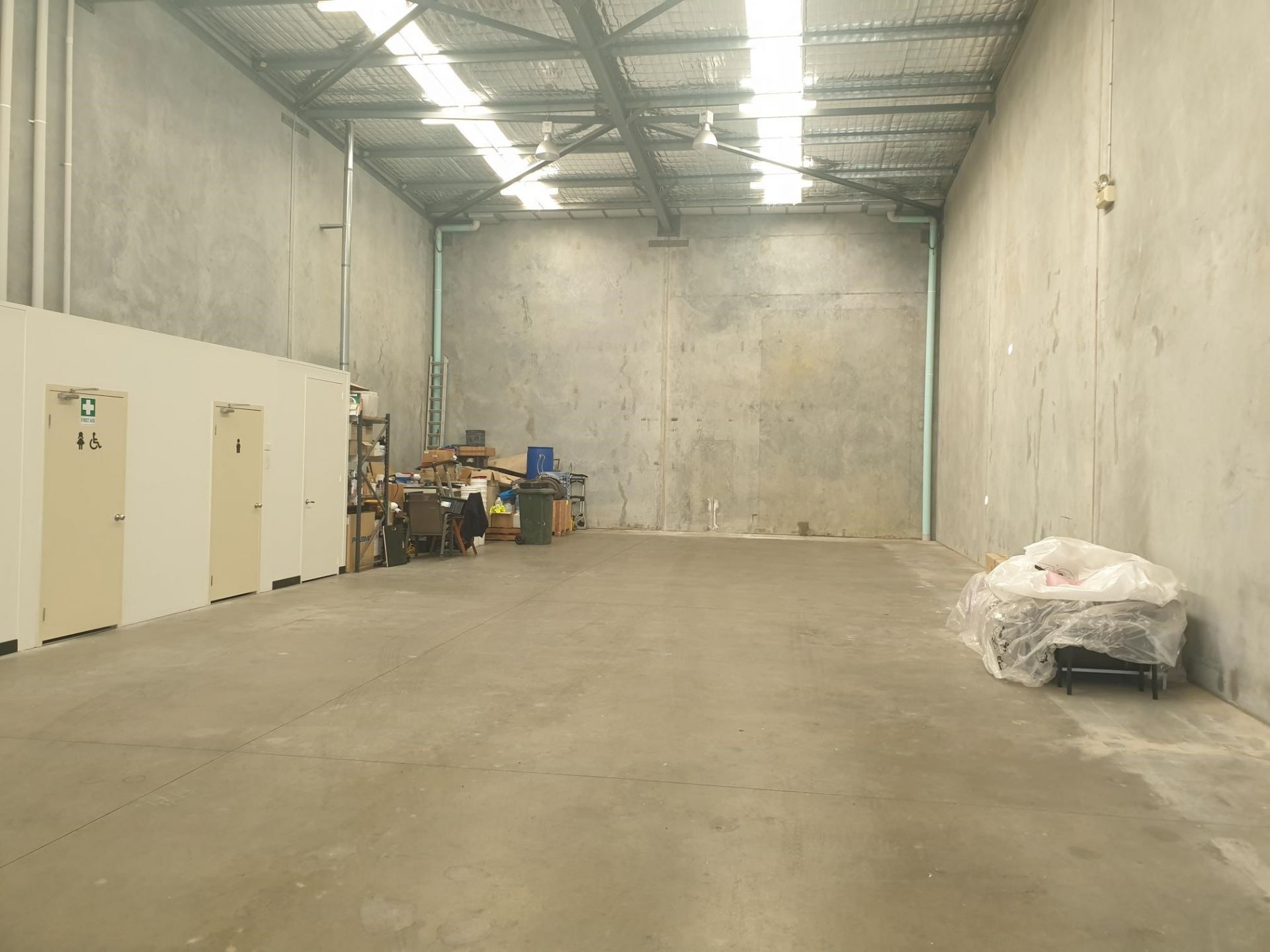 STREET FRONT UNIT - WAREHOUSE WITH OFFICE