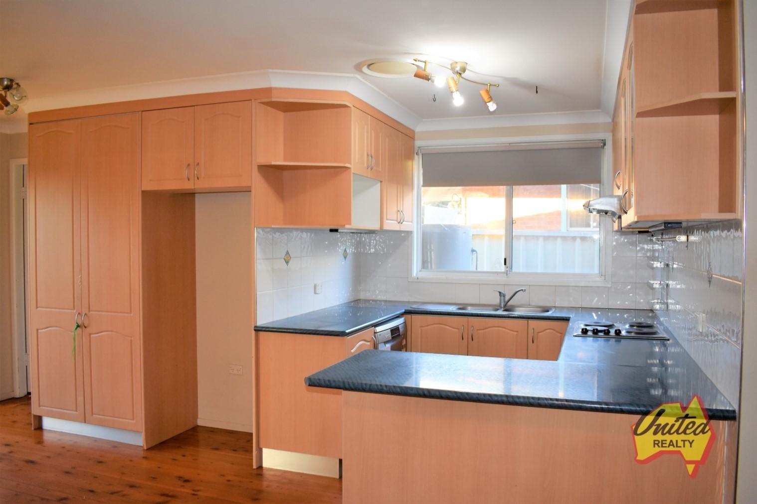 25 Bainbridge Avenue Ingleburn 2565