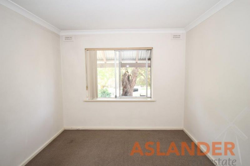 BRAND NEW KITCHEN - SECURE COMPLEX - WALK TO RIVER