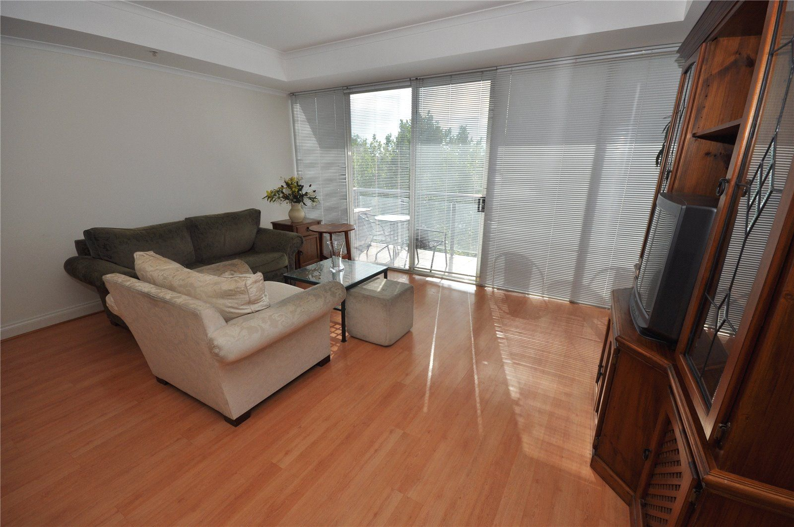 fabulous Fully Furnished Three Bedroom Apartment!