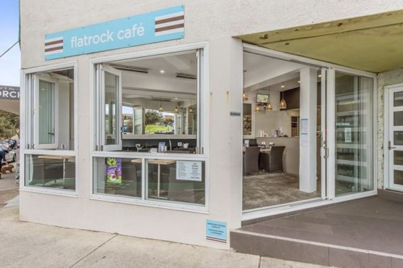 CAFE, BAR OR T/A SHOP IN THE HEART OF BONDI BEACH
