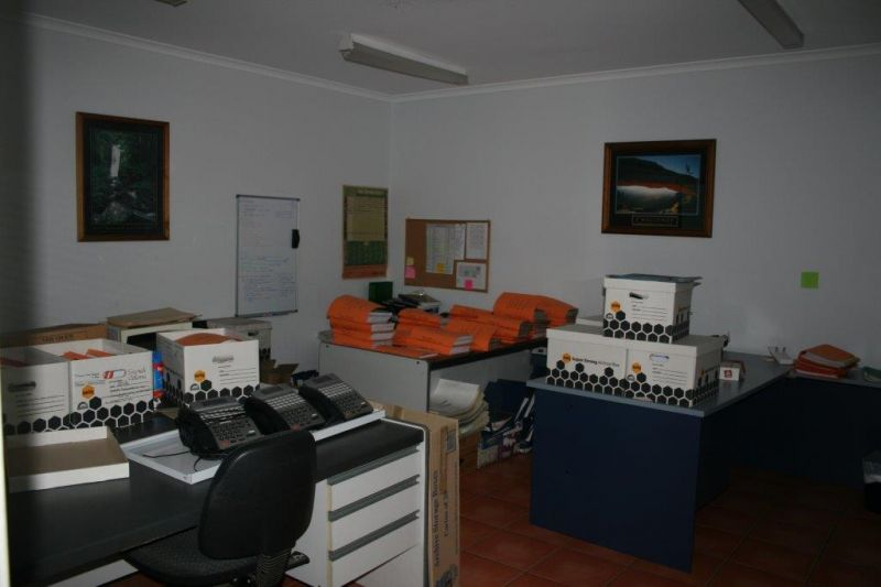 INDUSTRIAL WAREHOUSE OFFICE