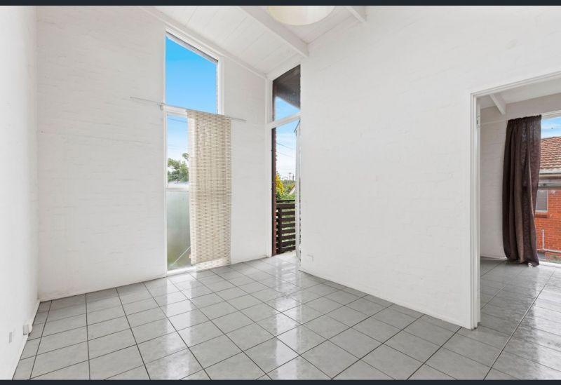 For Sale By Owner: 277 Nicholson street, Seddon, VIC 3011