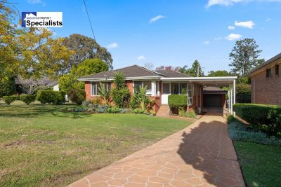 A stunning home on a huge 916m2 (approx) block of land!