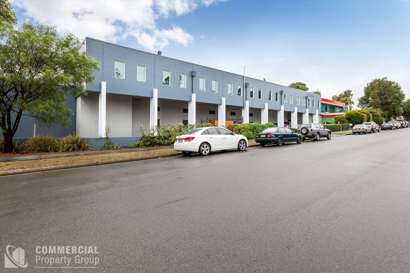 SUPERIOR OFFICE AND WAREHOUSING SOLUTION - SPACE AVAILABLE UP TO 11,857m² (INCLUDING OFFICE)
