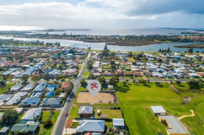 RARE LAND CLOSE TO THE INLET – DEVELOPMENT POTENTIAL!