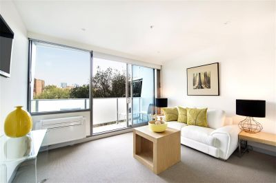 Flagstaff Place: 12th Floor - Whitegoods Included!