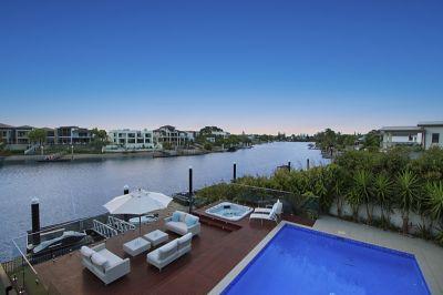 Designer Living on Main River