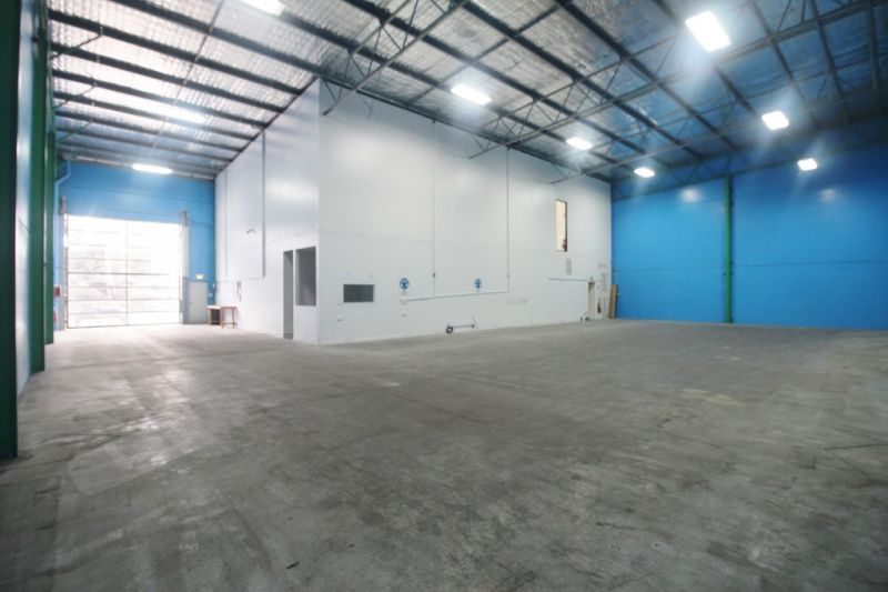 Outstanding Commercial / Industrial Opportunity. For Sale or Lease