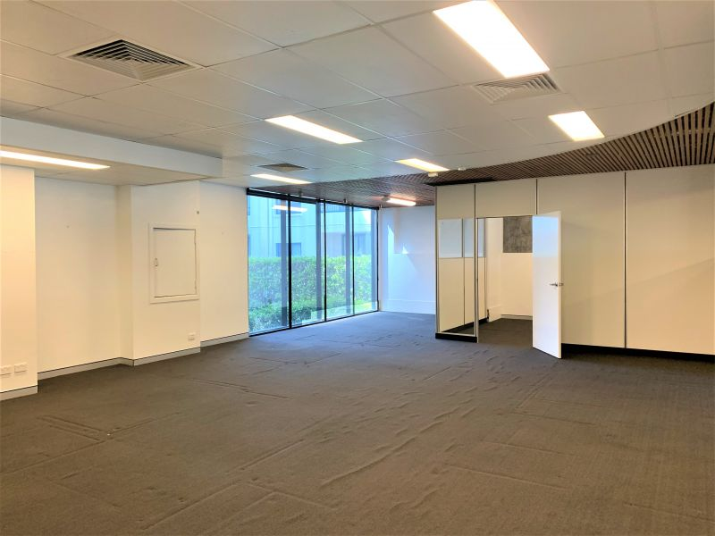 BLUE CHIP OFFICE SPACE WITH INTERNAL LIFT ACCESS
