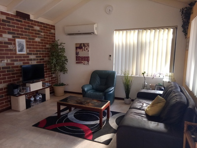 2x1 f/f Cottage (Hyde Park Location) Mount Lawley