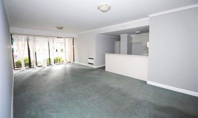 Supersized Two Bedroom Opposite Carlton Gardens!