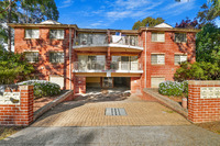 2 BEDROOM UNIT - IN THE HEART OF MERRYLANDS