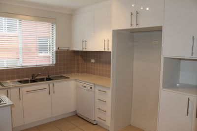 JUST LISTED - Spacious 2 bedroom Apartment with LUG