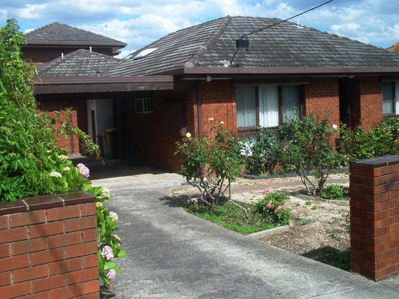 Stylish Villa unit at an Exclusive Address