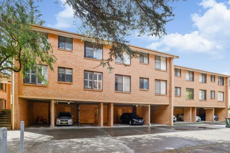 2 Bedroom Unit with Car Space - Convenient Location!