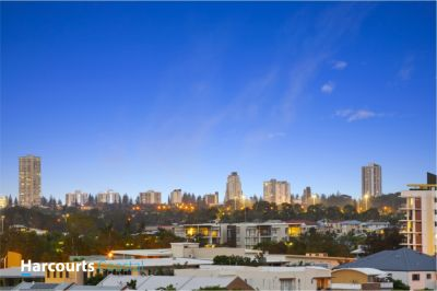 Dual living opportunity with Rooftop Terrace in the Popular North Shore Precinct of Varsity Lakes