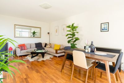 Fully furnished 2 bedroom apartment in Bronte with parking