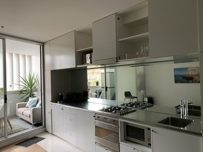 Fully Furnished Darlinghurst apartment balcony & pool harbour views