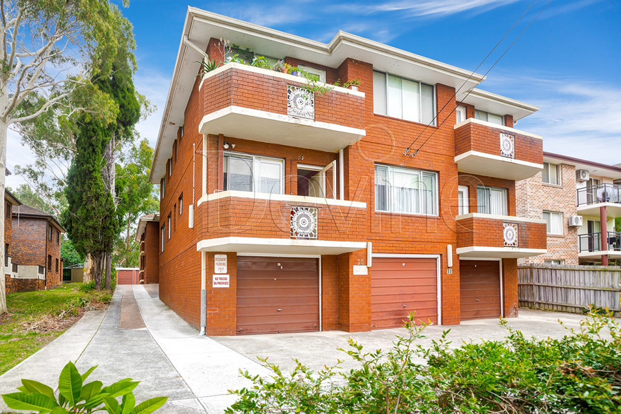 4/11 Hampstead Road, Homebush West