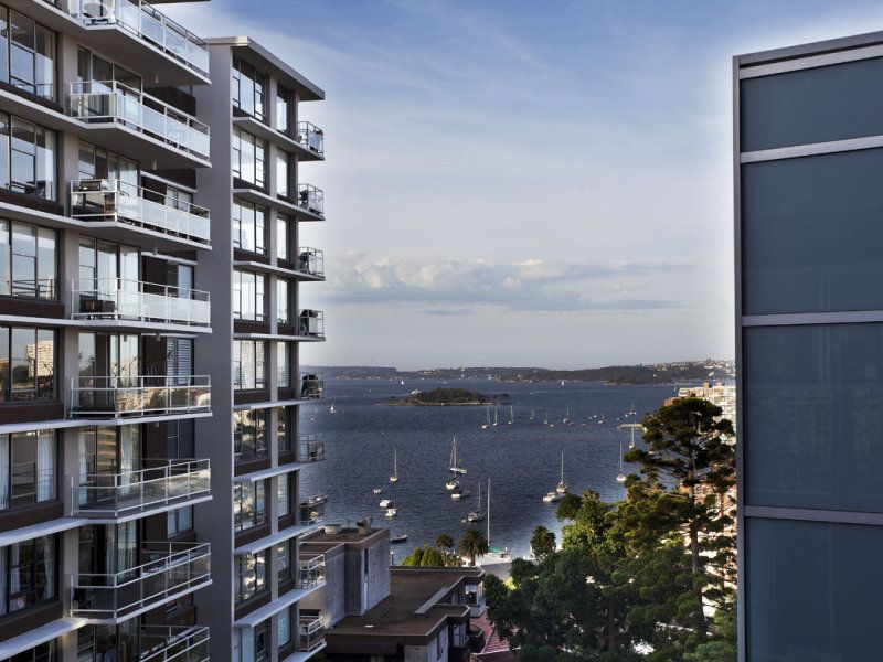 LARGE 46 SQM STUDIO WITH HARBOUR VIEWS