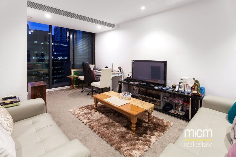 Southbank Grand: Luxurious Two Bedroom Apartment with Sky High Views!